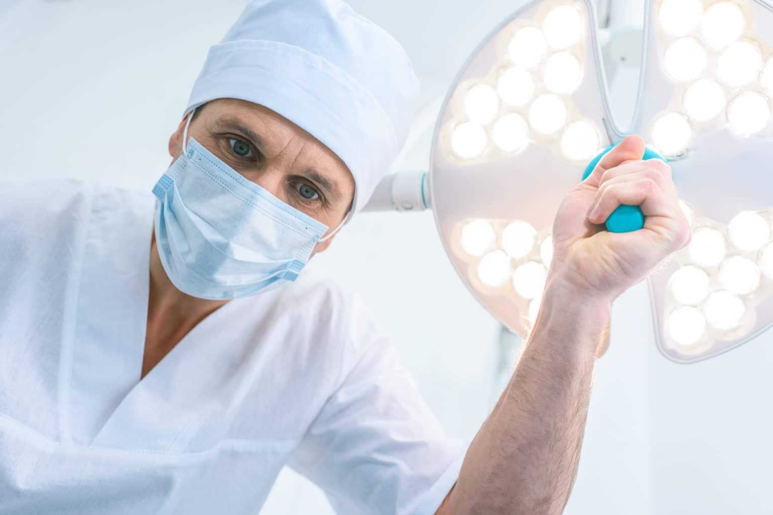 under operation gynekomasti